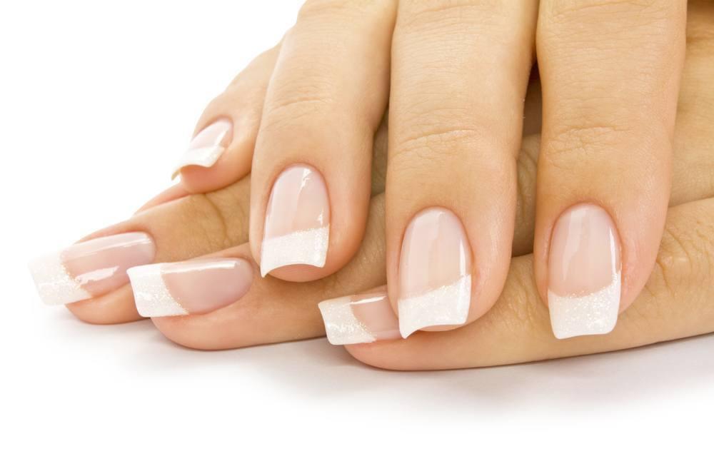 french-manicure-nails-selber-machen-glitzer