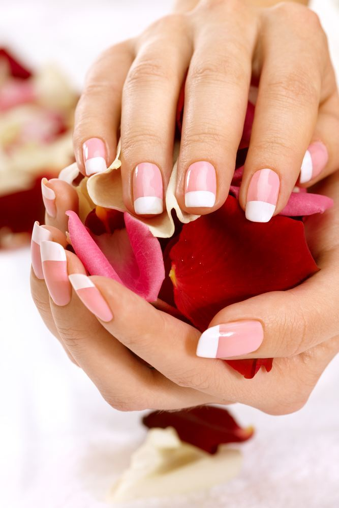 french-nails-manicure-rosa-weiss-muster