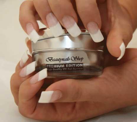Frenchnails Manicure etwas länger